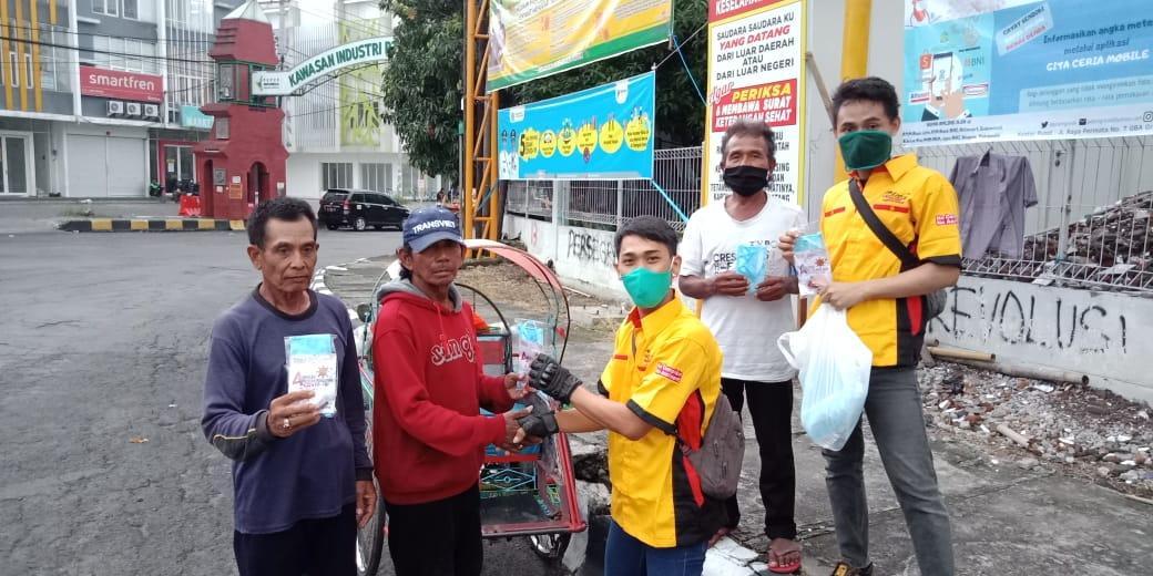 CBR Club Indonesia (CCI) Gresik Bagi-bagi  Ratusan Masker Dan Hand Sanitizer