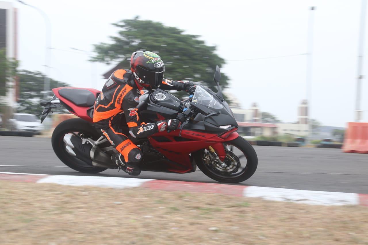 Juara Asia Gerry Salim & Peserta Demoday Terkesan Performa CBR250RR SP Quick Shifter