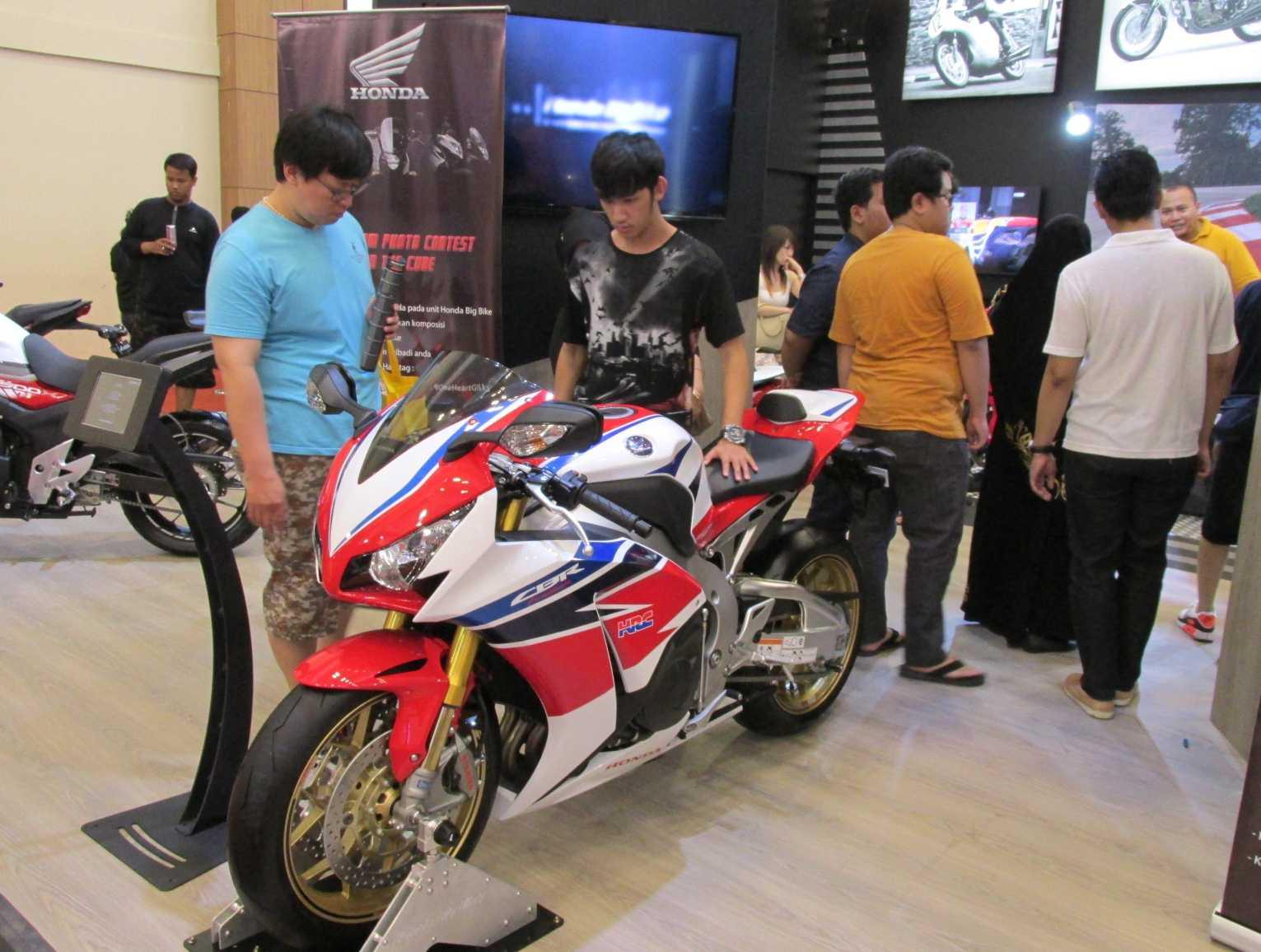 Photo Booth Wing Dealer Honda di GIIAS 2016