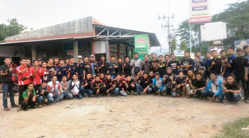 Bersama IHB CBR Owner Bumiayu Berbagi Takjil dan Bukber