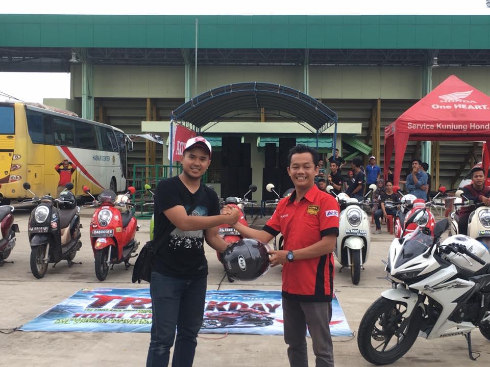 All New Honda CBR 150R Track Day Ajarkan Komunitas Honda Kalsel Teknik Balap